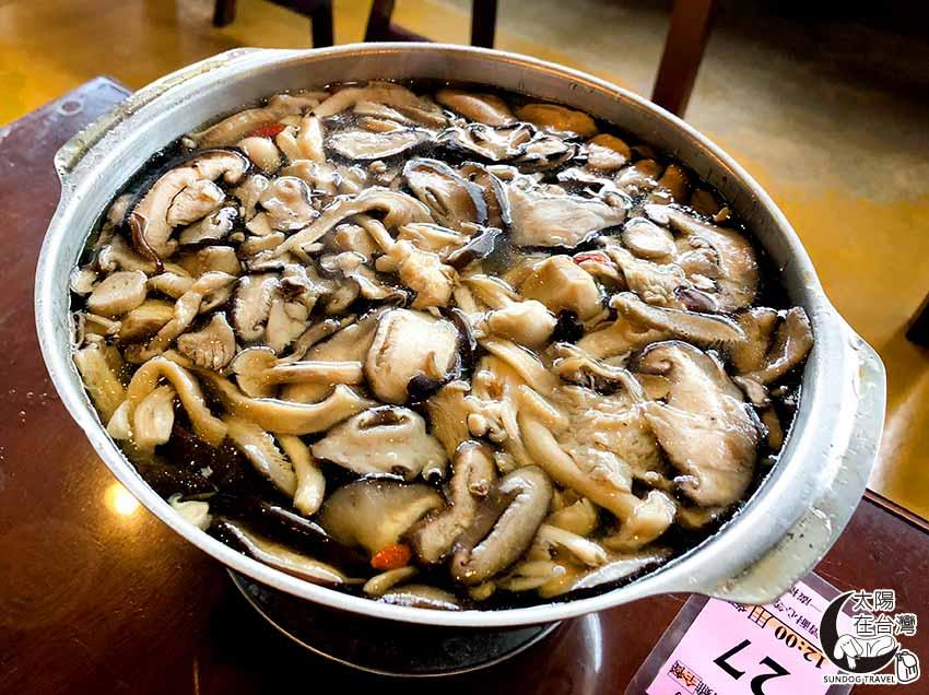 老媽媽桶仔雞-養生百菇雞鍋-太陽在台灣
