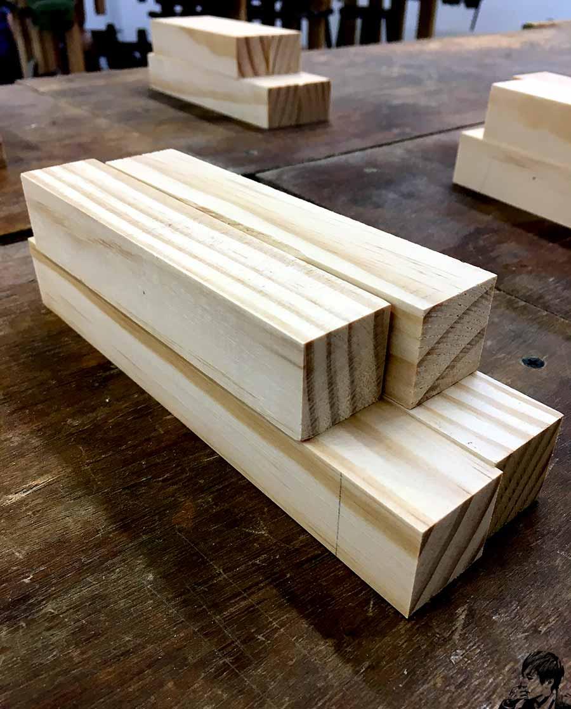 榫接工法相框製作-原木